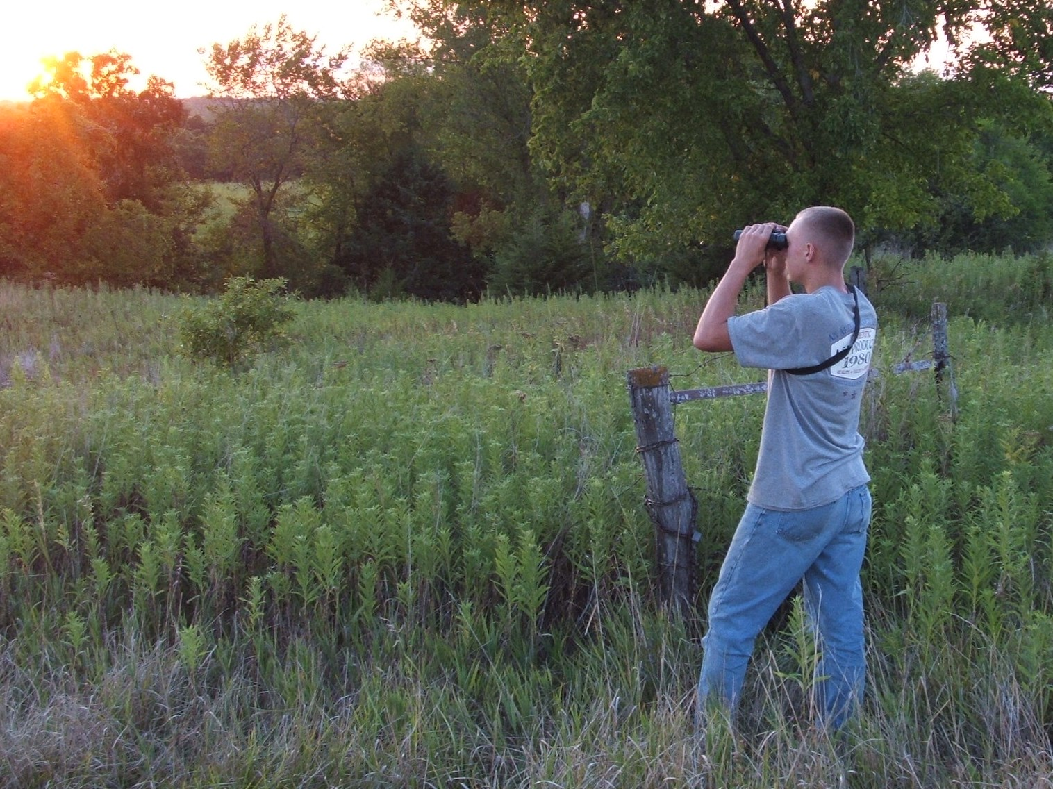 For most hunters, scouting long range is really hard to accomplish.  But, it is a great way to pattern and find good bucks during the lead up to opener.